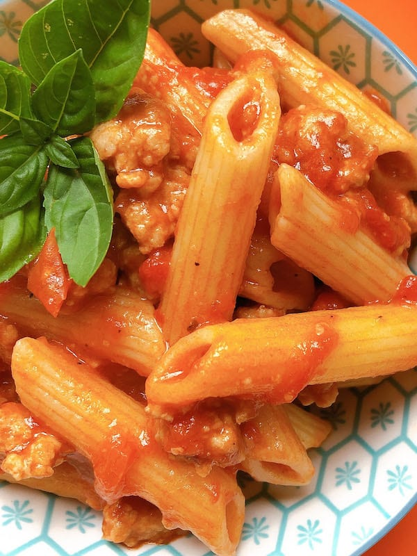 pasta with sausage and tomato sauce