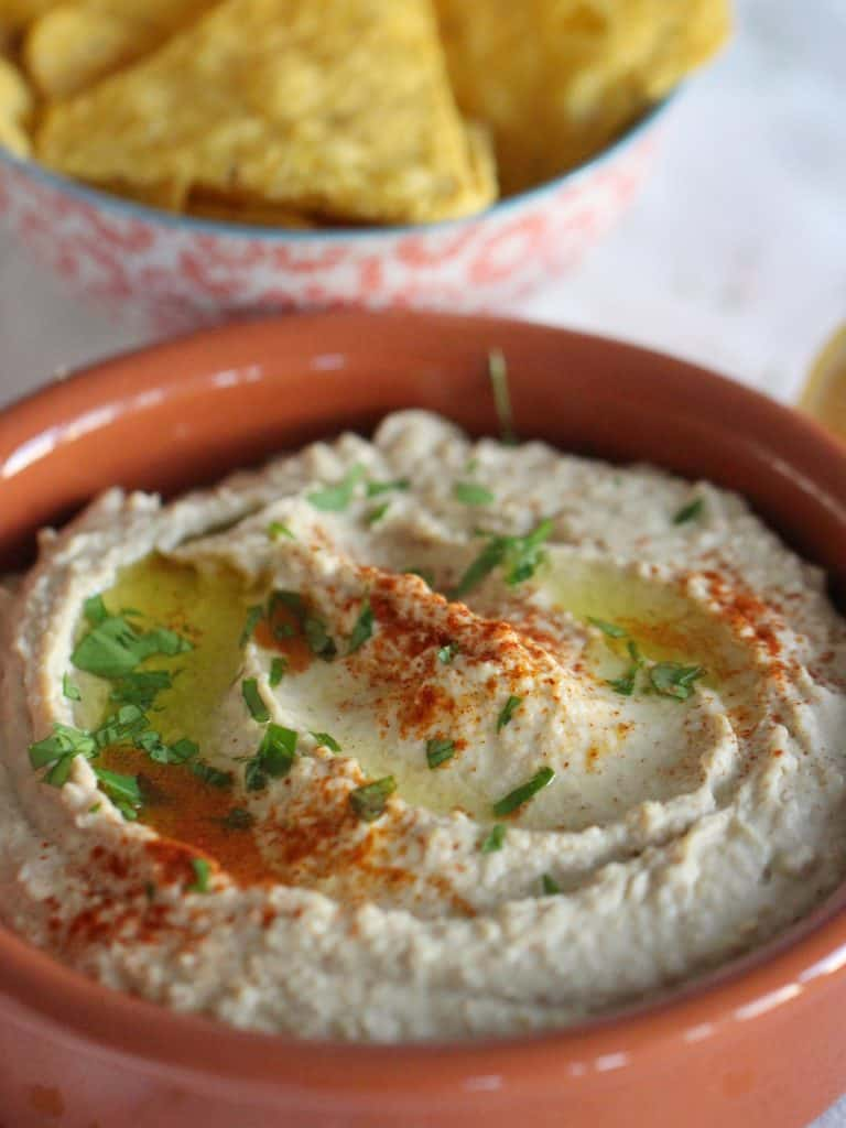Thermomix Hummus in a bowl