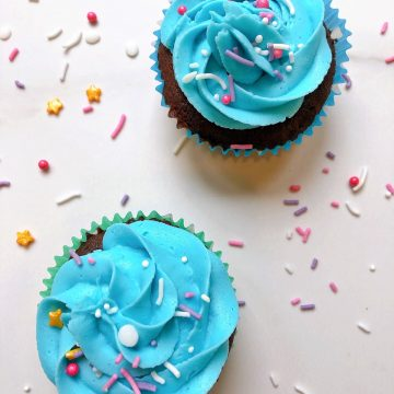 Cupcakes with blue Thermomix buttercream frosting