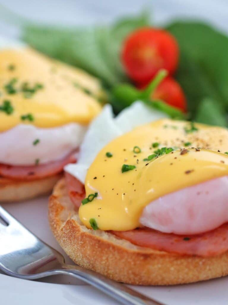 Eggs Benedict with Thermomix Hollandaise sauce on top
